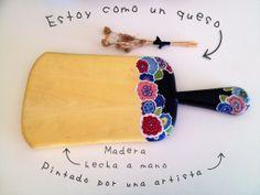 Handmade cheeseboar from Morocco, painted by a spanish artist #mwezimarket #cheeseboard #perfectpresent #present #handmade #wood #cheese #wood #morocco myorder@mwezimarket.com