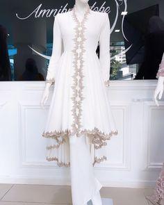 Muslimah Wedding Dress, Muslim Wedding Dresses, Pakistani Wedding Outfits, Model Dress Kebaya, Wedding Hijab Styles, Hijab Dress Party, Mode Abaya, Batik Fashion