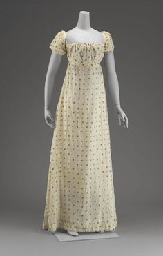 White mull dress American, early 19th century