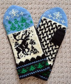 Knitted 100% Wool Mittens Norwegian Scandinavian folk art