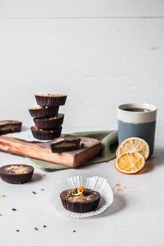 Schokoladen-Marzipan Cups mit selbstgemachtem Marzipan, das fructosearm und zuckerfrei ist!   freiknuspern - Rezepte für Allergiker!