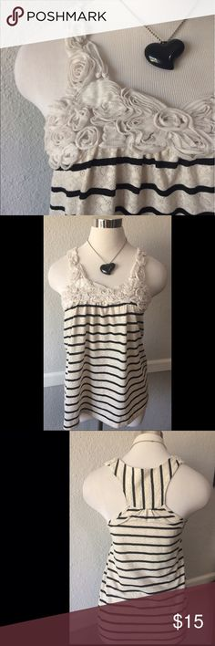 Adorable Lace Striped Rosette Tank Small Super cute. Small d'closet Tops Tank Tops