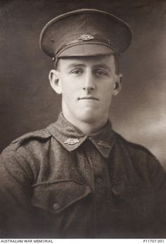 WWI, 11 April 1917, Pt Charles L W Anderson was killed while endeavouring to fetch a box of bombs to a trench, Bullecourt. He has no known grave and is commemorated on the Villers-Bretonneux Memorial.
