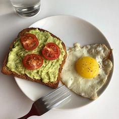 I Love Food, Good Food, Yummy Food, Healthy Snacks, Healthy Recipes, Food Goals, Aesthetic Food, Food Cravings, Food Photo