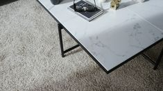 Coffee table with white marble and a black steel frame. Brown Interior, Home Interior, Interior Styling, Interior Decorating, Design Scandinavian, Scandinavian Living, Tile Top Tables, White Marble, Marble Top