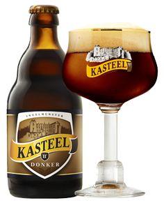 Cerveja Kasteel Donker, estilo Belgian Dark Strong Ale, produzida por Brouwerij Van Honsebrouck, Bélgica. 11% ABV de álcool.