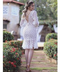 The back {do post anterior}😍 Modest Dresses, Elegant Dresses, Cute Dresses, Bridesmaid Dresses, Lace Dress Styles, Short Lace Dress, Red A Line Dress, White Dress, African Print Dresses