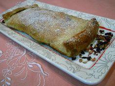 Emoção às Colheradas Bread, Food, Red Berries, Phyllo Dough, Bon Appetit, Tailgate Desserts, Sweet Pastries, Recipes, Pies