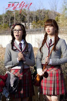 Dream High was it for me. I watched it when I was in high school. One of the dramas that I don't regret watching :) Cute School Uniforms, School Uniform Girls, Korean Music, Korean Drama, Kdrama, Miss A Suzy, Dream High, Pretty Asian, Korean Star
