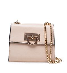 How perfect is this bag? Perfect for everyday and for all you fashionistas out there! #favorites