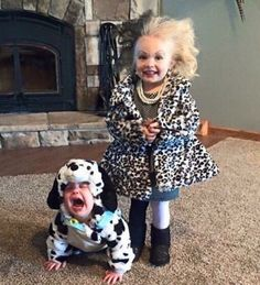 Love themed or coordinating sibling Halloween costumes? Here's some ideas for coordinating Halloween costumes for sisters! Halloween Costumes For Sisters, Cute Costumes, Halloween 2015, Family Halloween, Women Halloween, Halloween Makeup, Halloween Recipe, Costume Ideas, Halloween Games