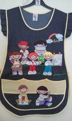 Mezclilla obscura ,bordado niños coloreando