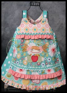 Farbenmix Vida dress in Riley Blake fabrics.  Cute use of fabrics! #rileyblakedesigns #appleofmyeye #quiltedfish