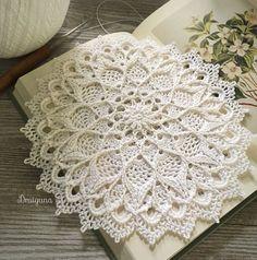 Crochet Patterns Ravelry Ravelry: Leylight pattern by Julia Hart Beau Crochet, Cotton Crochet, Crochet Home, Thread Crochet, Crochet Crafts, Crochet Projects, Crochet Rugs, Crochet Granny, Diy Crafts
