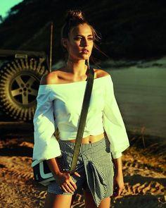 O verão 2018 da @dzarmoficial faz uma homenagem ao estilo icônico da atriz #BrigitteBardot. São tops bodies saias camisas vestidos e calças em cores clássicas além de estampas como listras e vichy. As peças já estão nas lojas e no e-commerce da marca (dzarm.com.br/store).  via L'OFFICIEL BRASIL MAGAZINE INSTAGRAM - Fashion Campaigns  Haute Couture  Advertising  Editorial Photography  Magazine Cover Designs  Supermodels  Runway Models