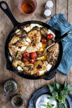 This skillet pizza chicken with pepperoni, mozzarella and spicy tomatoes is sure to become a family favourite. Delicious served with a crisp green salad or even some pasta if you are really hungry!