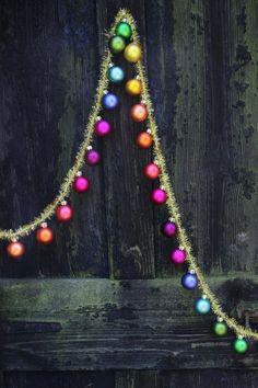 Christmas Tinsel, Cheap Christmas, Retro Christmas, All Things Christmas, Christmas Home, Christmas Holidays, Christmas Crafts, Diy Christmas Tree Garland, Rainbow Christmas Tree