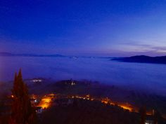 Todi in fog white christmas Umbria Italy by Stanito Umbria Italy, White Christmas, Happy Holidays, Europe, Sunset, Travel, Outdoor, Beautiful, Romans