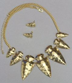 Arrowheads Necklace & Earrings Set Hammered Style Metal Arrow Tribal Gold Statement @modtoast   Beautiful set!