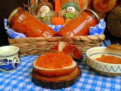 Zacusca de dovlecei - imagine 1 mare Romanian Food, Recipe Images, Cookie Recipes, Salsa, Vegetarian, Jar, Homemade, Traditional, Canning
