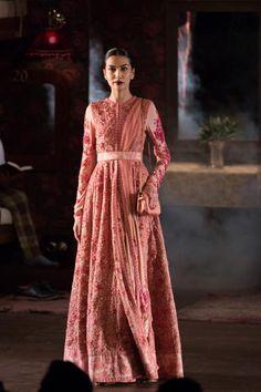 Fashion: Sabyasachi Show at India Couture Week 2014 Anarkali Dress, Pakistani Dresses, Indian Dresses, Indian Outfits, Indian Sarees, Lehenga, India Fashion, Ethnic Fashion, Asian Fashion