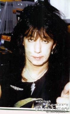 KISS with some groupies. | Groupies, Hot band, Peter criss