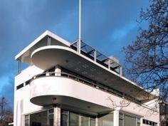Molenaar&Co - rotterdam Art Deco Buildings, Unique Buildings, Beautiful Villas, Beautiful Homes, Bauhaus, Modern Architecture, Mansions, House Styles, Outdoor Decor