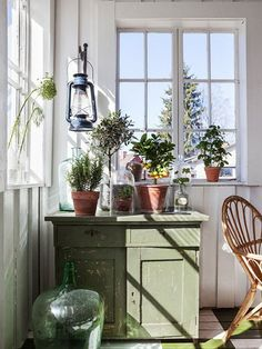 Home & garden bohemian atmosphere in the winter garden Shed Decor, Home Decor, Vibeke Design, Country Interior, Interior Decorating, Interior Design, Interior Exterior, Cottage Style, Old Houses