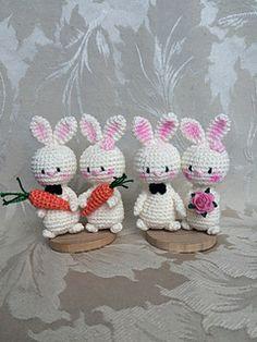 Happily ever after. Wedding bunnies pattern by Uljana Semikrasa