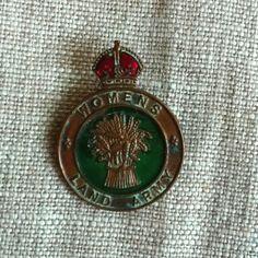 WW2 land army badge