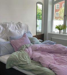Room Ideas Bedroom, Bedroom Inspo, Bedroom Decor, Study Room Decor, Decor Room, Bedroom Bed, Dream Rooms, Dream Bedroom, Deco Studio