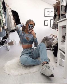 Stylish outfit idea to copy ♥ For more inspiration join our group Amazing Things ♥ You might also like these related products: - Jeans ->. Cute Comfy Outfits, Stylish Outfits, Aesthetic Fashion, Aesthetic Clothes, Urban Fashion, Moda Punk, Fashion Clothes, Fashion Outfits, Queer Fashion