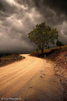 23 Ideas For Country Landscape Photography Dirt Roads Paths Beautiful Roads, Beautiful Landscapes, Beautiful World, Beautiful Places, Beautiful Sky, Landscape Photography, Nature Photography, Photography Tips, Photography Business