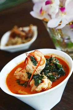 Gosh, it looks so aroil mak mak   red curry with prawns divine eating! #thaifood