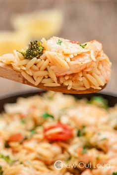 This One Pot Lemon Orzo with Shrimp is succulent, flavorful, and unbelievably easy! It takes just one pot and 30 minutes to pull off this weeknight meal.