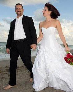 No Tie If you want the look of a suit for your ceremony but without being as formal, leave the tie at home. An open necked shirt and more casual jacket is still a suitable choice for a casual beach wedding.