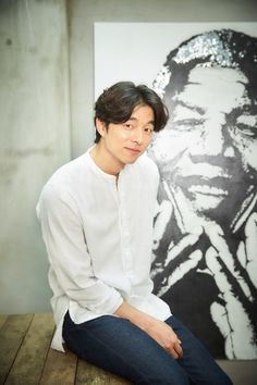 """Actor Gong Yoo said Kim Eun-sook, the writer for tvN's upcoming fantasy drama """"Goblin,"""" seemed satisfied with him during a recent script reading. Gong said he was thankful to the writer for her """"generosity"""" in an interview Monday. Korean Celebrities, Korean Actors, Celebs, Busan, Goblin Gong Yoo, Yoo Gong, Goong, Kdrama Actors, K Idols"""