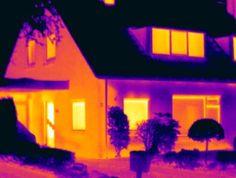 Vanmorgen deed Energiekeurplus onderzoek naar isolatieproblemen bij deze woning in #Vries met gebruik van #thermografie: https://www.energiekeurplus.nl