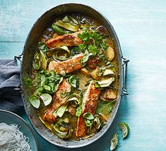 Try this creamy one-pan Thai green salmon when you're next entertaining. The fresh flavours are enhanced with the sweet roasted shallots and potatoes Roast Chicken Veg, Chicken Couscous, Bbc Good Food Recipes, Cooking Recipes, Cooking Ideas, Healthy Recipes, Thai Green Curry Paste, Roasted Shallots, Cooking Jasmine Rice