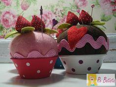 Fofuras da @Re Batista  Tutorial: Alfineteiro cupcake - Casa Corpo e Cia. #PAP DIY FELT