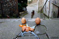 Happy & sad eggs Sad, Eggs, Pumpkin, Happy, Pumpkins, Egg, Ser Feliz, Squash, Egg As Food