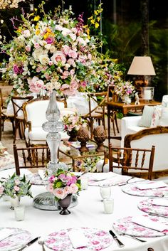 http://www.motherofthebride.com.br/2013/03/casamento-fazenda-vila-rica-mayara-e.html#.UUjQjKVrtQo