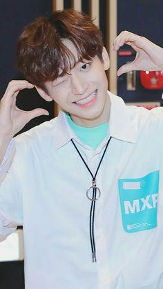 #KOOJUNGMO #JUNGMO #PRODUCE_X_101 Gun Gale Online, Flower Boys, Starship Entertainment, Mingyu, Kpop Boy, Boyfriend Material, Boy Groups, Pretty Girls, Rapper