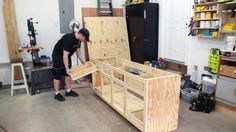 Building kitchen cabinets - How to Make Cabinets – Building kitchen cabinets Plywood Cabinets, Built In Cabinets, Base Cabinets, Custom Cabinets, Reface Cabinets, Plywood Kitchen, Cupboards, Building Kitchen Cabinets, Diy Kitchen Cabinets