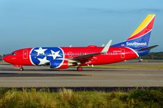 """Southwest Airlines Boeing 737-7H4 N922WN """"Tennessee One"""" at Atlanta-Hartsfield, September 2016. (Photo via Flickr: Brian Gore)"""