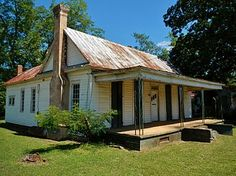 Built by his father in 1888, this house in Cuthbert, Georgia is where jazz composer and bandleader James Fletcher Hamilton Henderson, Jr. was born in 1897. The house was added to the National Register of Historic Places on June 17, 1982. Andrew College, James Weldon Johnson, Randolph County, Mary Wilson, Cuthbert, Plantation Homes, Georgia On My Mind, Southern Homes, Historic Homes