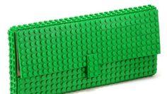 Borse strane: la pochette Lego per ragazze geek
