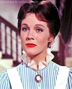 """Julie Andrews as """"Mary Poppins"""" (Buena Mary Poppins 1964, Julie Andrews Mary Poppins, Mary Poppins Musical, Mary Poppins Costume, Julie Andrews Young, Julie Andrews Children, Julie Andrews Movies, Old Hollywood Movies, Old Hollywood Stars"""