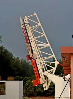 इसरो ने श्रीहरिकोटा से अति उन्नत रॉकेट का सफलतापूर्वक किया परीक्षण।  ISRO - Indian Space Research Organisation maiden test flight of Scramjet engine onboard the rocket ATV02 successful.  India is 4th country in the world to demonstrate flight testing of #Scramjet engine.  #AIRPics: M Jayasingh