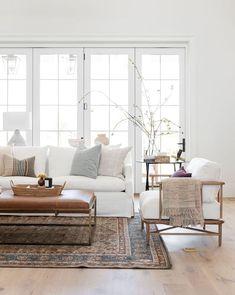 Home Living Room, Living Room Designs, Living Room Decor, Bedroom Decor, White Couch Living Room, Danish Living Room, Living Room Ideas, Living Room Furniture, Scandinavian Interior Living Room